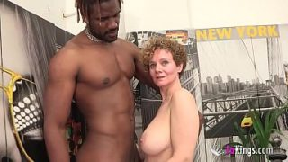 Busty Mercé începe noul an prin GETTING FORED OF A BBC